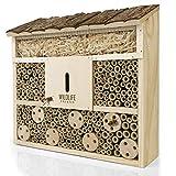 WILDLIFE FRIEND Bienenhotel Insektenhotel mit Holz-Dach- unbehandelt, Bienenhaus aus Massiv-Holz für Bienen, Marienkäfer & Florfliegen, Insektenhaus & Nisthilfe zum Aufhängen